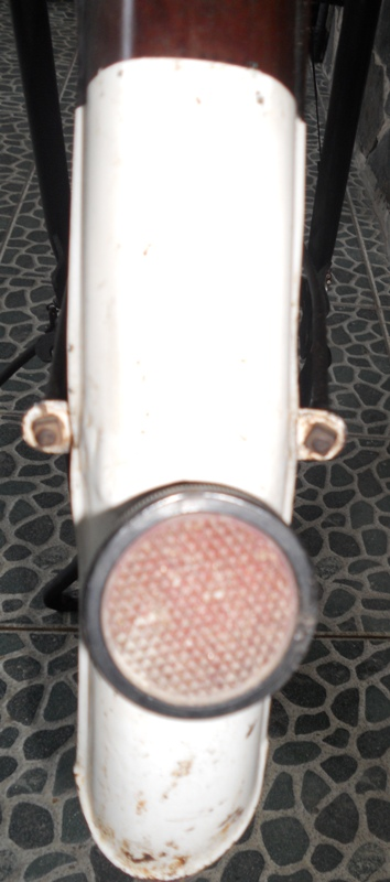 Selebor_belakang_lampu_stopan
